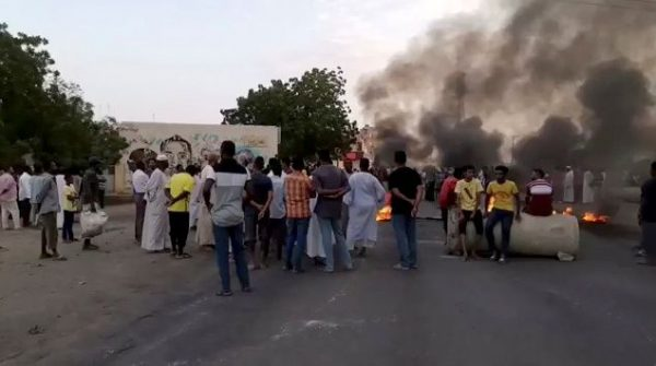 Sudan PM, ministers detained in apparent military coup